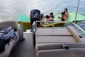 26 ft. Sun Tracker by Tracker Marine Party Barge 24 DLX w/60ELPT 4-S Pontoon Boat Rental Miami Image 7