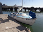 22 ft. Catalina 22 Swing Keel Daysailer & Weekender Boat Rental San Francisco Image 25