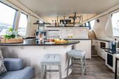 59 ft. Carver Yachts 570 Voyager Pilothouse Cruiser Boat Rental Los Angeles Image 2