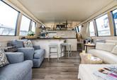 59 ft. Carver Yachts 570 Voyager Pilothouse Cruiser Boat Rental Los Angeles Image 3