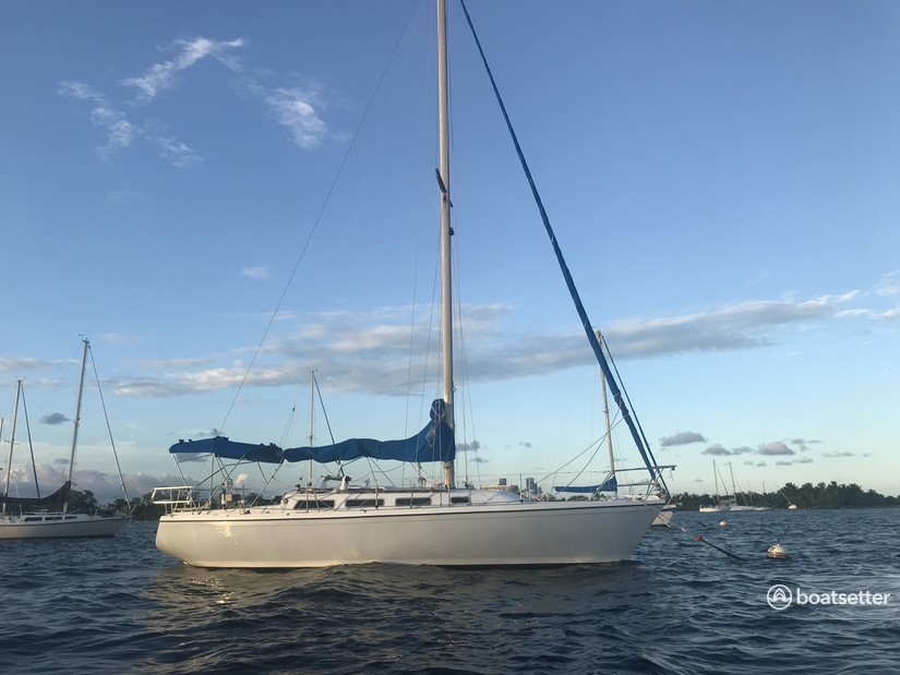 Rent a Catalina sloop in Miami, FL near me