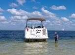 28 ft. Rinker Boats 270 Fiesta Vee Express Cruiser Boat Rental Tampa Image 1