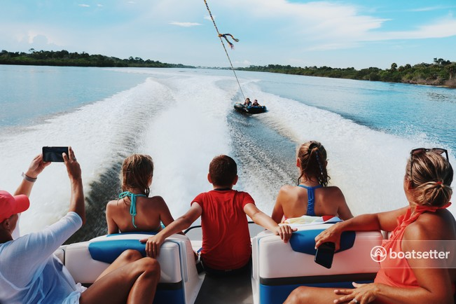 Rent a Chaparral Boats jet boat in Orlando, FL near me