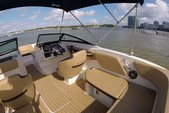 21 ft. Sea Ray Boats 21 SPX w/150 EFI 4-S  Bow Rider Boat Rental Miami Image 4