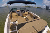 21 ft. Sea Ray Boats 21 SPX w/150 EFI 4-S  Bow Rider Boat Rental Miami Image 5