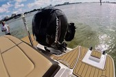 21 ft. Sea Ray Boats 21 SPX w/150 EFI 4-S  Bow Rider Boat Rental Miami Image 7