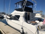 39 ft. Silverton Marine 351 Sedan Cruiser Flybridge Boat Rental San Diego Image 2