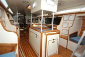 38 ft. Catalina 38 Daysailer & Weekender Boat Rental Hawaii Image 6