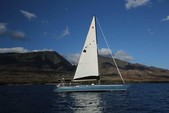 38 ft. Catalina 38 Daysailer & Weekender Boat Rental Hawaii Image 8