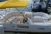 20 ft. Hurricane Boats FD 216F Deck Boat Boat Rental The Keys Image 1