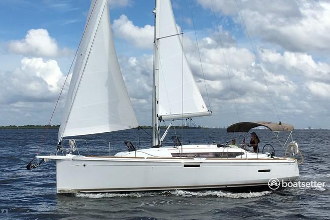Rent a Jeanneau Sailboats sloop in Juno Beach, FL near me