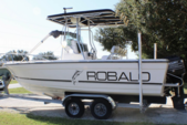 21 ft. Robalo 2120 Center Console Merc Center Console Boat Rental Sarasota Image 2