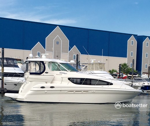 Rent a Sea Ray Boats cruiser in Kemah, TX near me