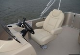 19 ft. Starcraft Marine EX 18 C Pontoon Boat Rental Tampa Image 5