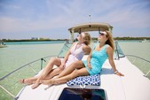 33 ft. Four Winns Boats V318 Vista Cruiser Boat Rental Miami Image 7