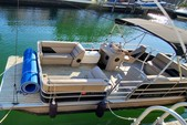 24 ft. Leisure Pontoons 2423 Navigator Deck Boat Boat Rental Miami Image 3
