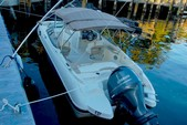 23 ft. Stingray Boats 234LR  Bow Rider Boat Rental West Palm Beach  Image 12