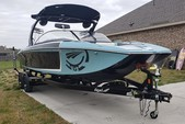 24 ft. Tige' Boats RZ4 Ski And Wakeboard Boat Rental Dallas-Fort Worth Image 2