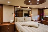 82 ft. Predator Yachts Sunseeker Cruiser Boat Rental Miami Image 5