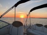 25 ft. Sea Ray Boats 240 Sundancer Cruiser Boat Rental Tampa Image 2