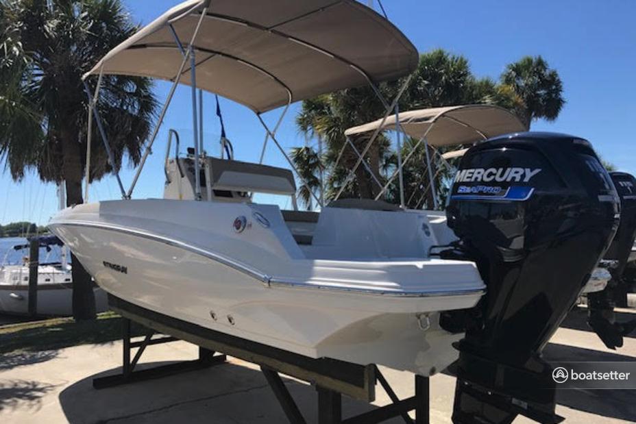 Rent a Stingray Boats deck boat in Tarpon Springs, FL near me