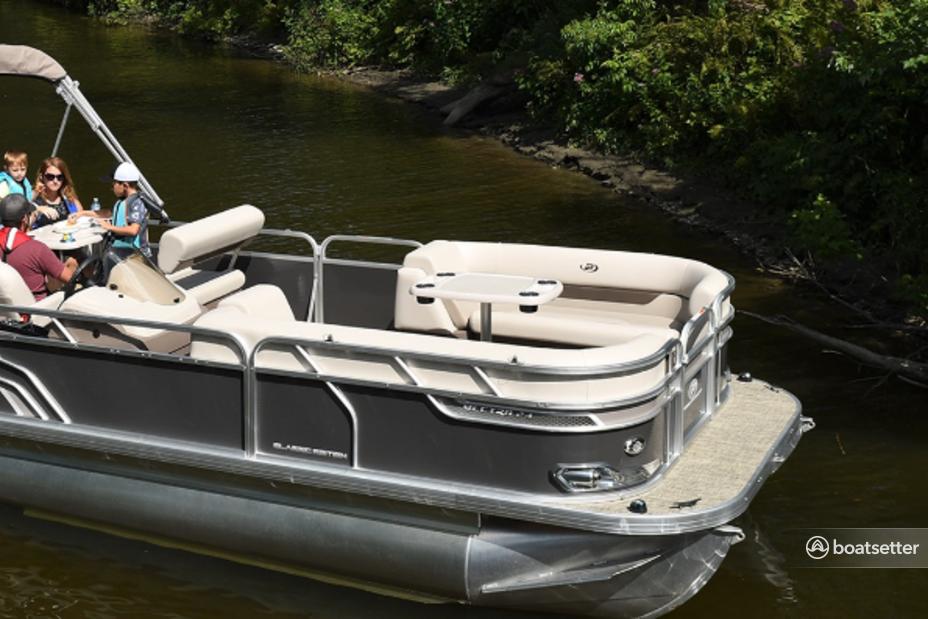 Rent a Princecraft pontoon in Jamestown, CA near me