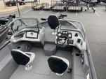 18 ft. Tracker by Tracker Marine Pro Team 175 TXW w/60ELPT 4-S  Fish And Ski Boat Rental Atlanta Image 3