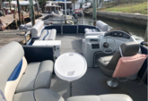 20 ft. Bentley Pontoon 204 4pt  Pontoon Boat Rental Tampa Image 4