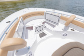 21 ft. Sportsman Boats Heritage 211 w/F150XA Yamaha Center Console Boat Rental Fort Myers Image 2