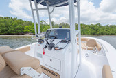 21 ft. Sportsman Boats Heritage 211 w/F150XA Yamaha Center Console Boat Rental Fort Myers Image 3