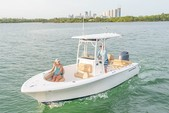 21 ft. Sportsman Boats Heritage 211 w/F150XA Yamaha Center Console Boat Rental Fort Myers Image 7