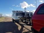 22 ft. Sun Tracker by Tracker Marine Fishin' Barge 22 DLX w/40ELPT 4-S Pontoon Boat Rental Rest of Southwest Image 5