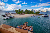 28 ft. Avalon Pontoons 27' Catalina Fun Ship Pontoon Boat Rental Miami Image 1