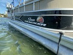 22 ft. Sun Tracker by Tracker Marine Party Barge 22 DLX w/115ELPT 4-S Pontoon Boat Rental Miami Image 6