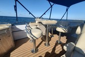 26 ft. Coach Pontoons 250RE Triple Tube Pontoon Boat Rental Tampa Image 8