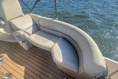 26 ft. Coach Pontoons 250RE Triple Tube Pontoon Boat Rental Tampa Image 21