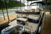 21 ft. Avalon Pontoons 22' LSZ Cruise Pontoon Boat Rental Rest of Southeast Image 1