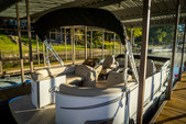 21 ft. Avalon Pontoons 22' LSZ Cruise Pontoon Boat Rental Rest of Southeast Image 2