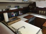 34 ft. Hunter 34 Cruiser Boat Rental Miami Image 9