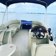20 ft. Sun Chaser 2000 Pontoon Boat Rental Miami Image 4