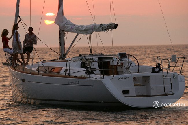 Rent a Beneteau USA sloop in San Francisco, CA near me