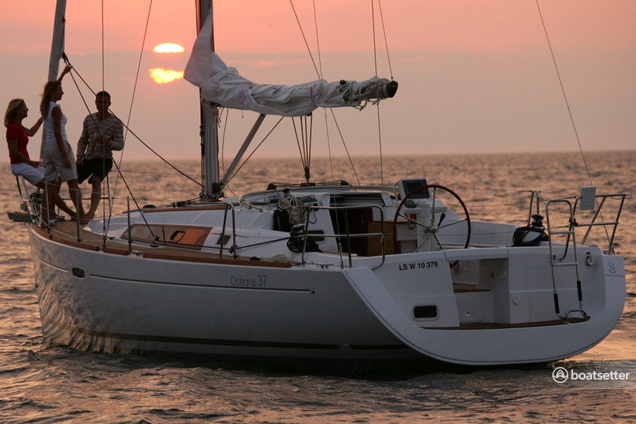 Rent a Beneteau USA sloop in San Francisco, CA near me