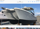 29 ft. World Cat Boats 290DC Dual Console w/2-250HP Catamaran Boat Rental Miami Image 3