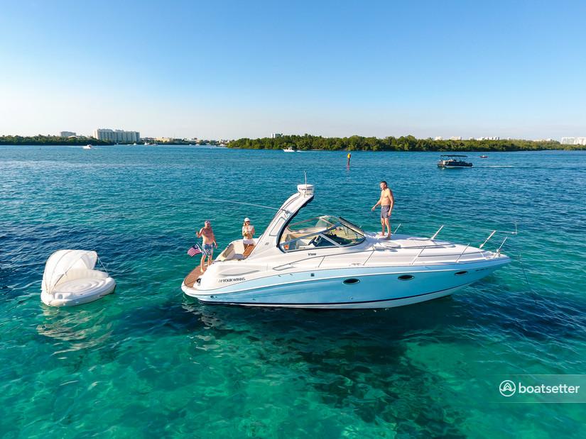 Rent a Four Winns Boats cruiser in Sunny Isles Beach, FL near me