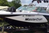22 ft. MasterCraft Boats X25 Ski And Wakeboard Boat Rental Austin Image 5