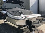22 ft. Sea Ray Boats 19 SPX w/150 EFI 4-S  Bow Rider Boat Rental Atlanta Image 13