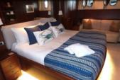 100 ft. Azimut Yachts 100 Jumbo Mega Yacht Boat Rental Miami Image 8