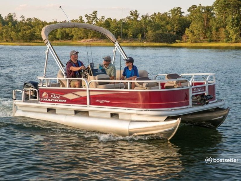 Rent a Sun Tracker by Tracker Marine pontoon in Athens, TX near me