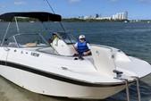 21 ft. Mariah Boats DX212 Cruiser Boat Rental Miami Image 3
