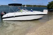 21 ft. Mariah Boats DX212 Cruiser Boat Rental Miami Image 4